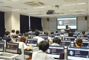 駒澤大学オープンキャンパス外国語プログラム