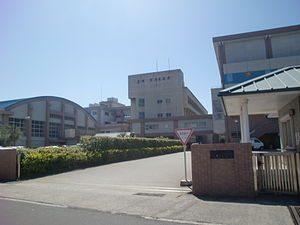 300px-la_salle_junior_high_school_and_high_school