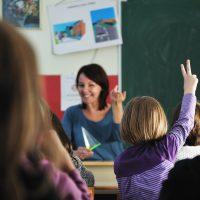 英語授業、中学校から指導も英語!教師のTOEICレベル低さに驚愕!